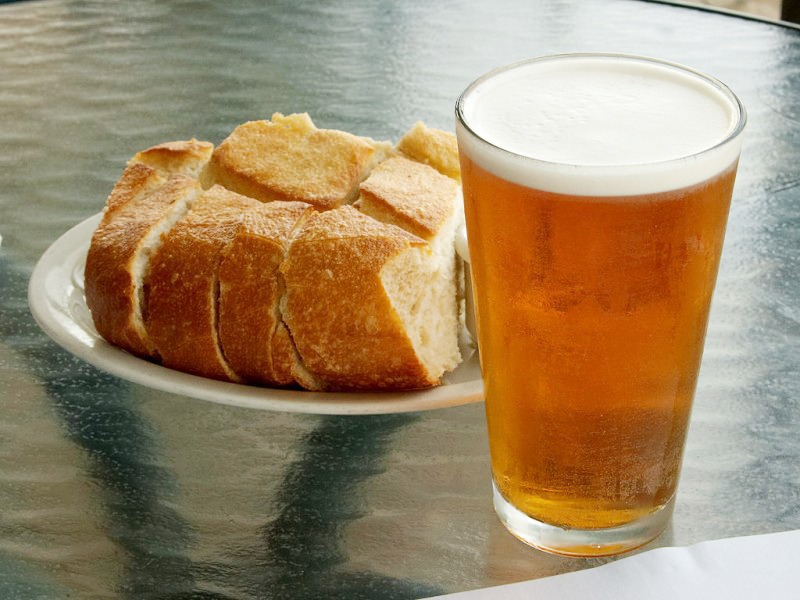Homemade Beer Bread! - The Funky SpatulaThe Funky Spatula